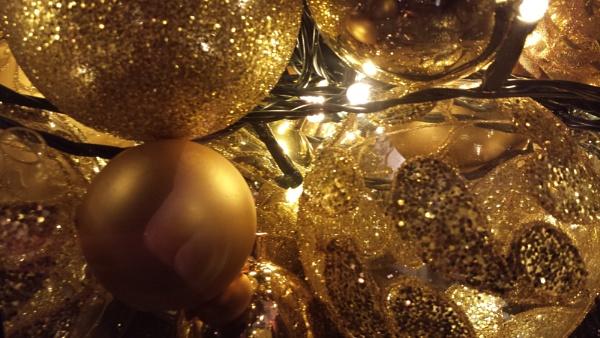 Christmas crackers... by Chinga