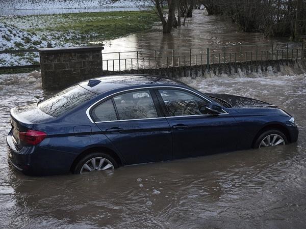 TAKE NOTICE OF FLOOD WARNINGS by hobbo
