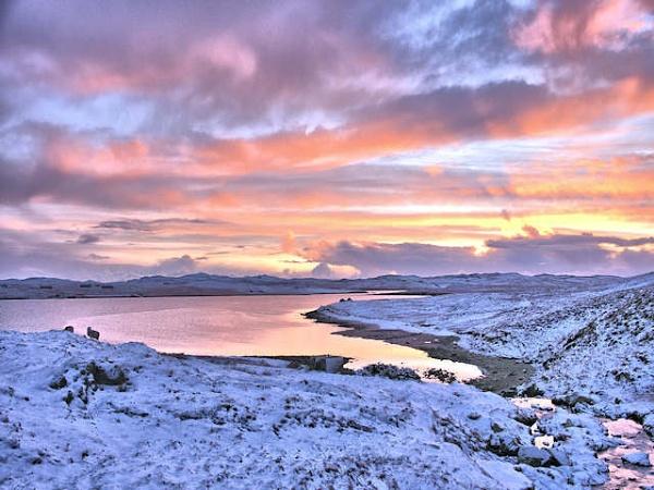 Winter sunrise by HelenMarie