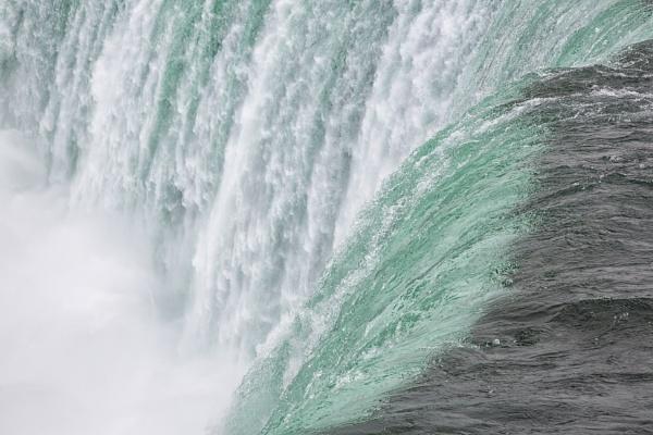 Niagara Falls by Owdman