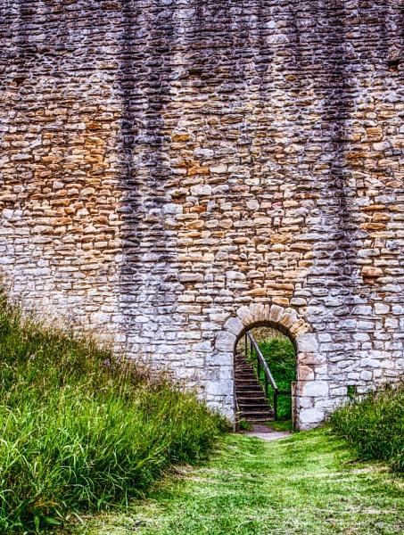 Through th Arch by 62Baldrick59