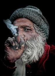 chillum smoking sadhu