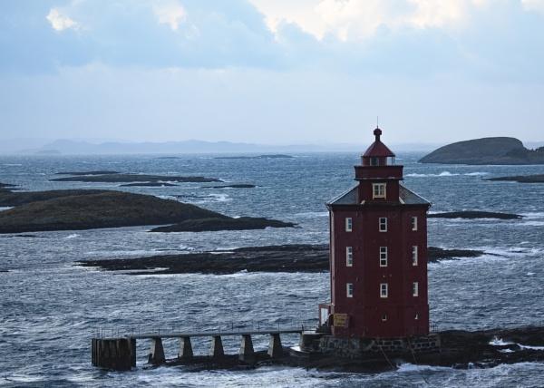 Kjeungskjær Lighthouse by videocass