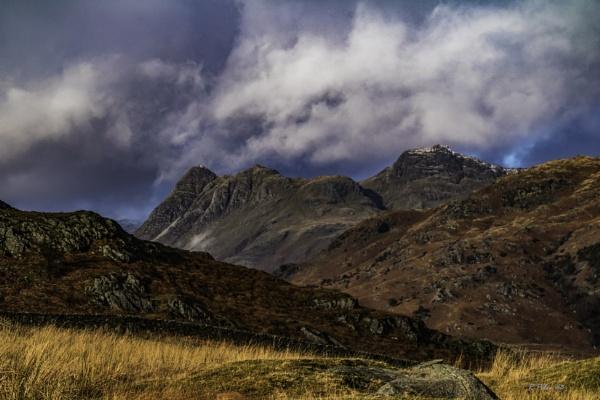 Langdale Pikes by RPilon63