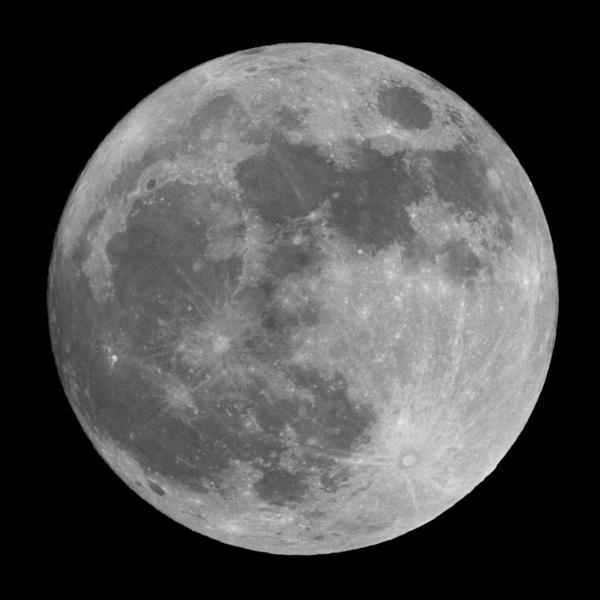 Last night\'s Wolf Moon by oldgreyheron