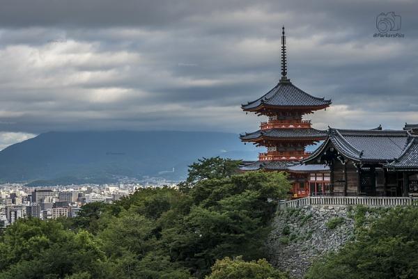 Kiyomizudera Temple, Kyoto by bridgendboy