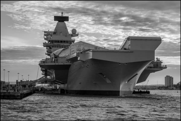 HMS Queen Elizabeth by bwlchmawr