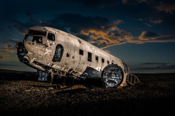 DC 3 Iceland by Tonyd3