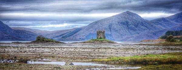 Low tide at the castle by Stevetheroofer