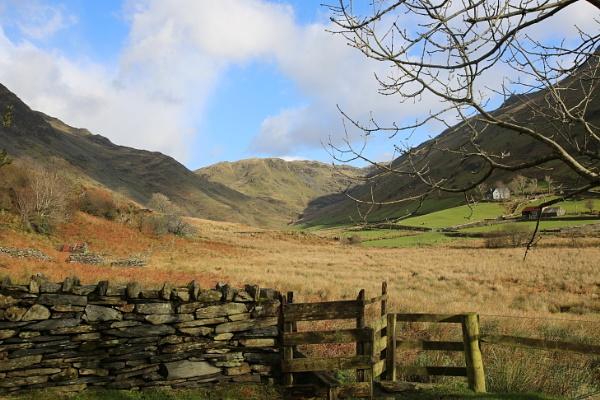 Penrhyndeudraeth, North Wales by pgarwood