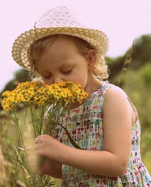 Flower Girl by Stu_Harris