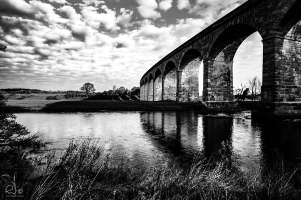 Arthington Viaduct by TheWoolf
