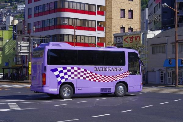 JAPAN - Purple Bus by PentaxBro