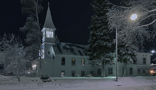 Snowy Parish by Igzotic