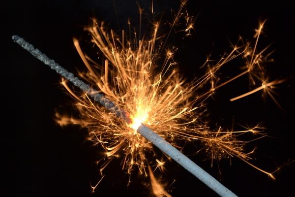 Sparkler by xGei8ht