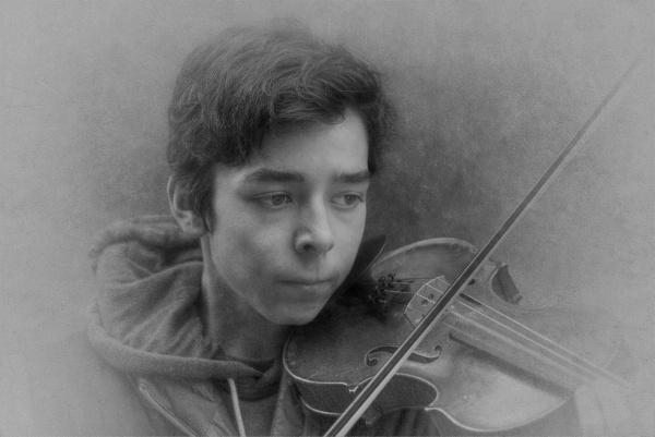 Violinist by EddieDaisy
