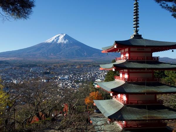 Mount Fuji from Chureti Pagoda, Kawaguchiko by prtd