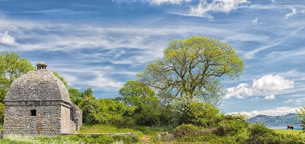 Penom Priory Dovecote by titchpics