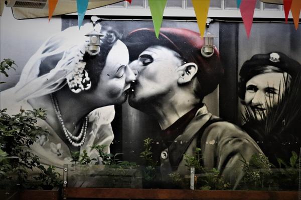 The Kiss by zerolimits