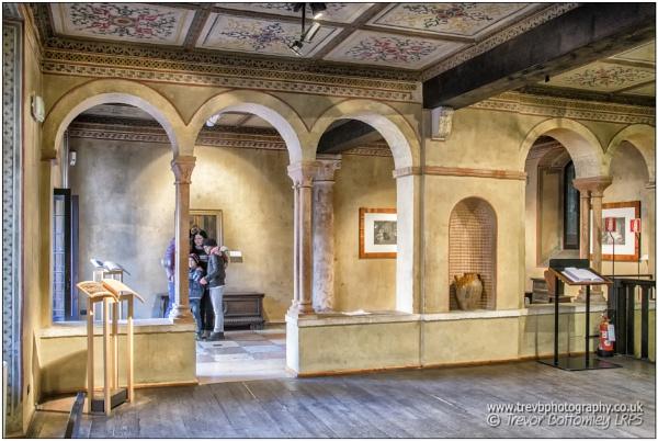 Casa di Giulietta: Inside and Outside by TrevBatWCC