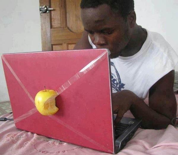 Apple mac? by Chinga