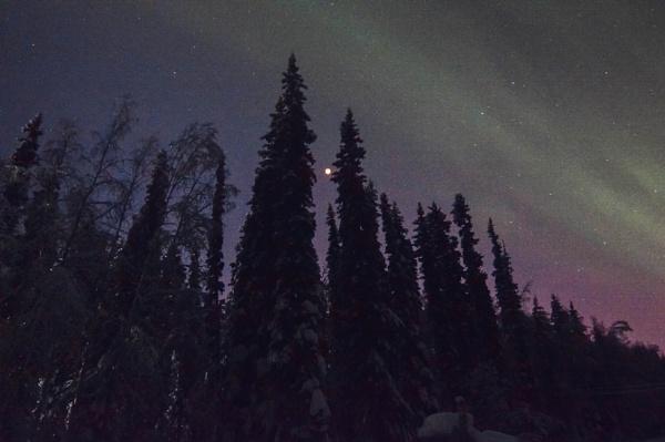 Blood Moon&Auroras by Rebeak