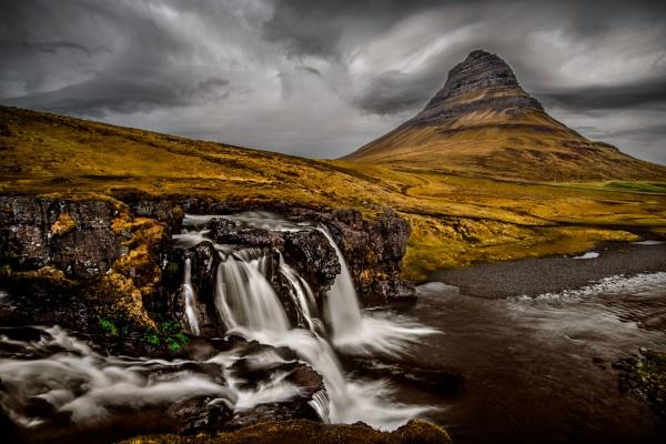 Kirkjufell by Tonyd3