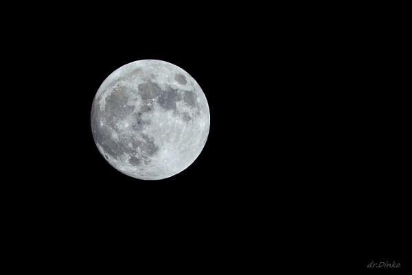 blue moon by drDinko