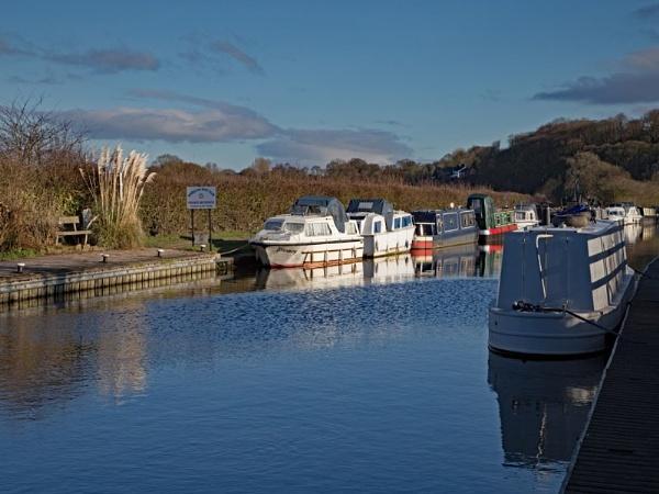 Wheelton Canal 420 by jim_horsfield