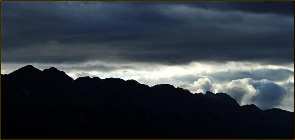 Dawn cloudscape by Moebee