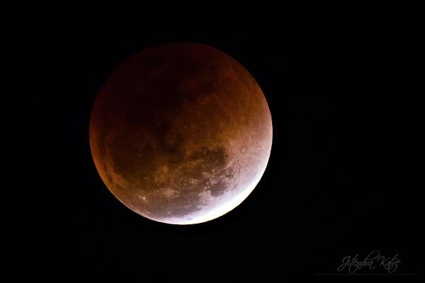 Blood moon by drjskatre
