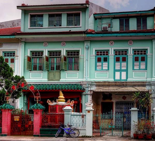 Traditional Singaporean architecture by StevenBest