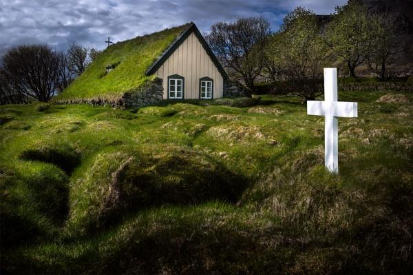 Turf church by Tonyd3