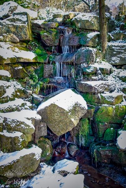 Waterfall in winter... by Sambomma