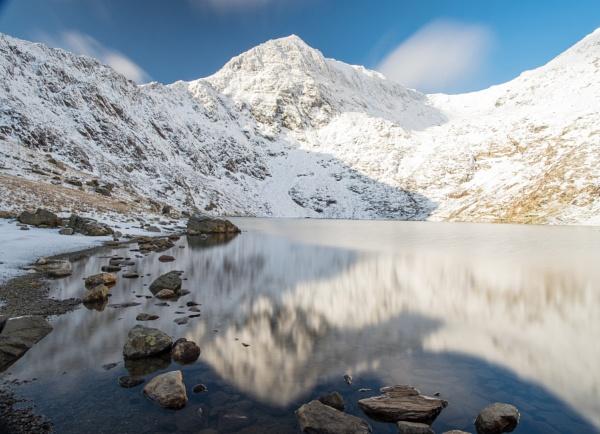 Snowy Snowdon by CrustyPics