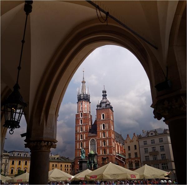 Rynek Square, Krakow by KingBee