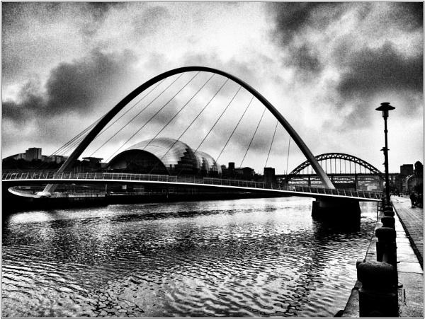 Dark on the Tyne by woolybill1
