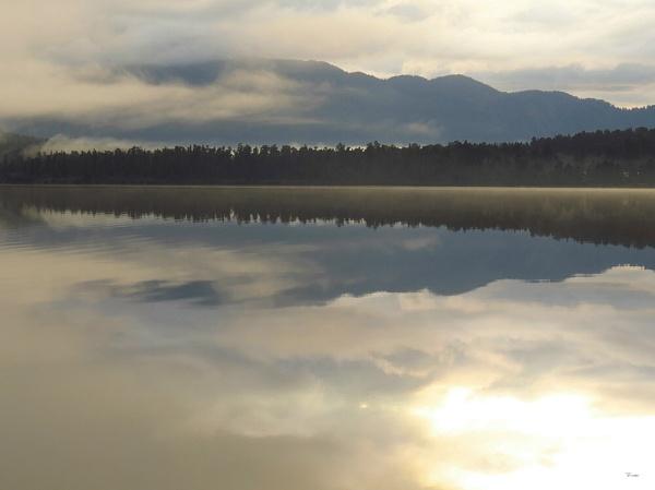 Lake Paringa 12 by DevilsAdvocate