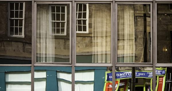 Reflections - Edinburgh by munroman