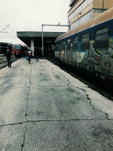 Trains split people by eternalsunshine