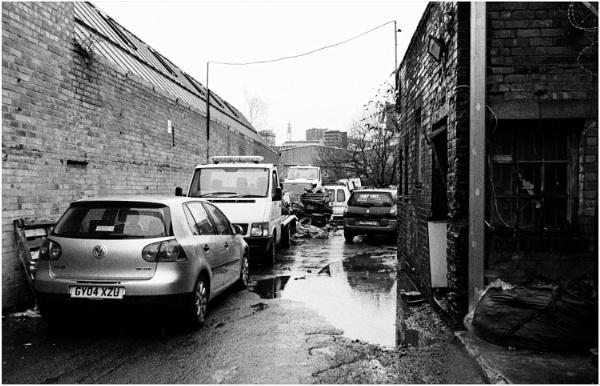 Alleyway 2 by dark_lord
