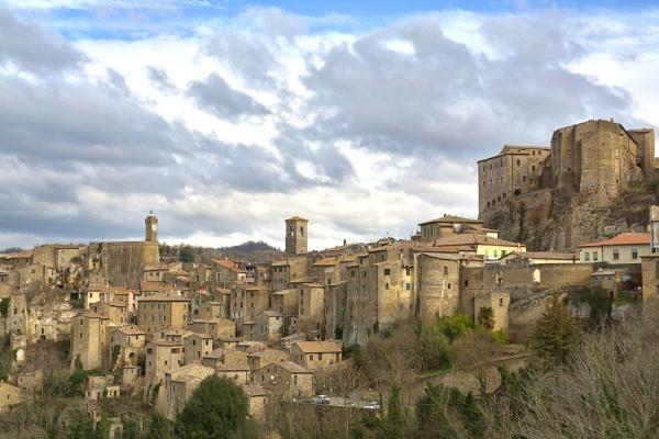 Sorano (Tuscany) by luminus