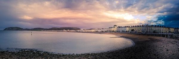 Llandudno, Wales by Arwille