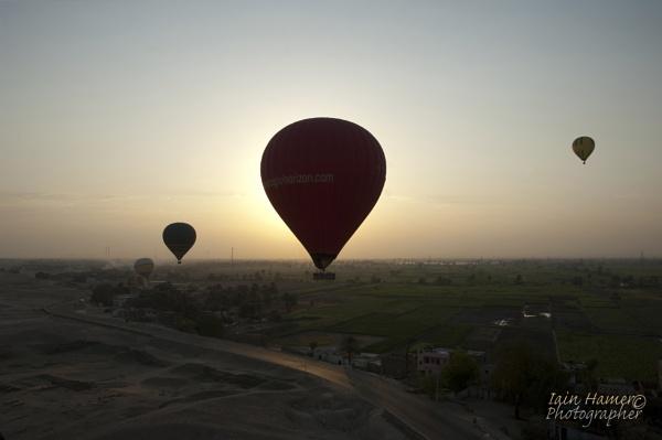 Balloons at Sunrise by IainHamer