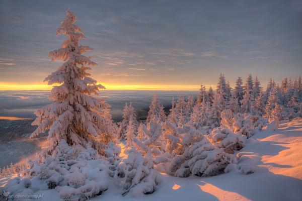 Okraj Pass by zimen