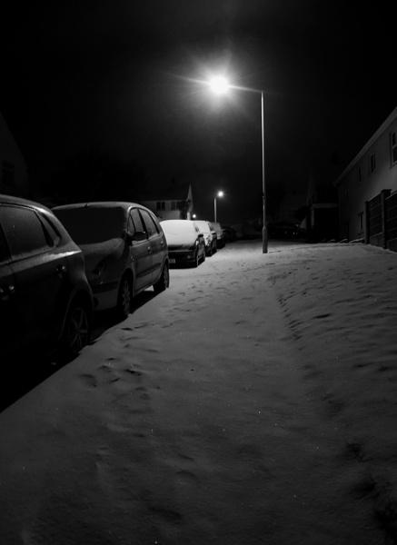Covered footprints by Madoldie