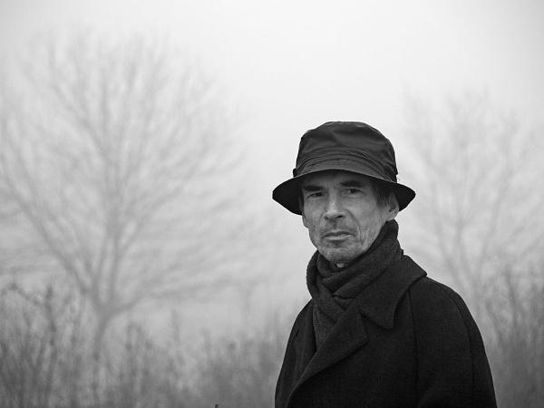 Man in black - close up by LaoCe