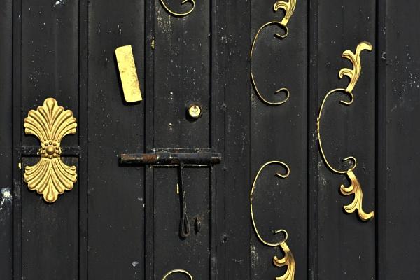Gold on Rusted door by Savvas511