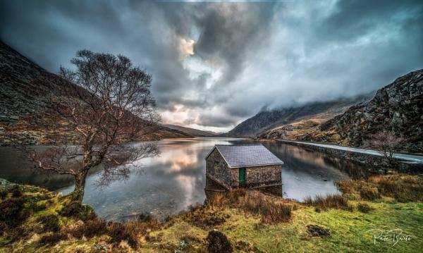 The Boathouse - Lake Ogwen by Pete2453