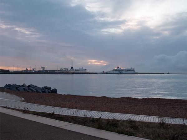 Sunrise,Dover Port by Janetdinah